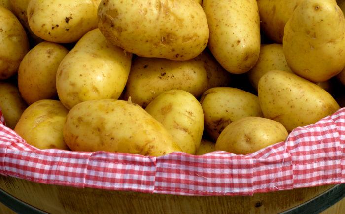 patate fanno male crude