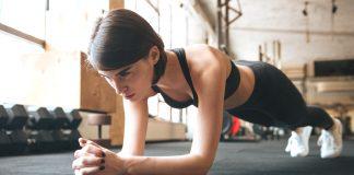 Plank, esercizi per appiattire e rassodare: ecco come farli a casa