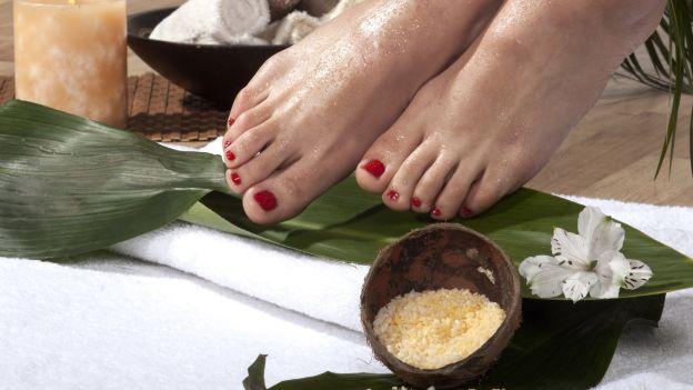 Esfoliazione disintossicante per i piedi