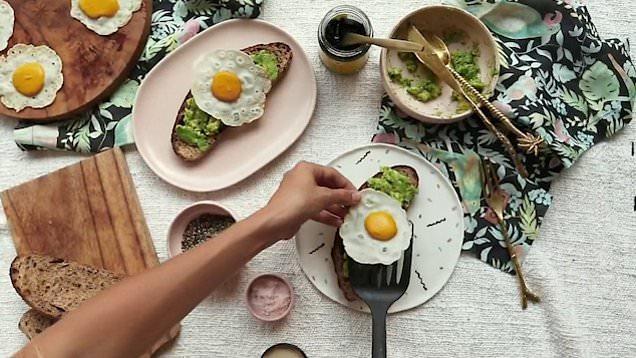 Uovo fritto vegano con zucca (tuorlo) e farina di riso (albume)