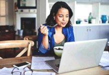 Dieta da scrivania: 5 pasti per non ingrassare per chi fa una vita da ufficio