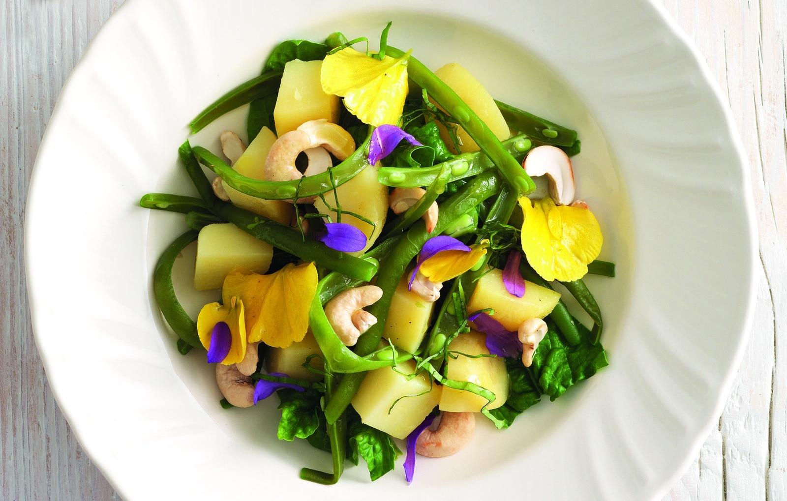 insalata con i fiori: dieta di marzo