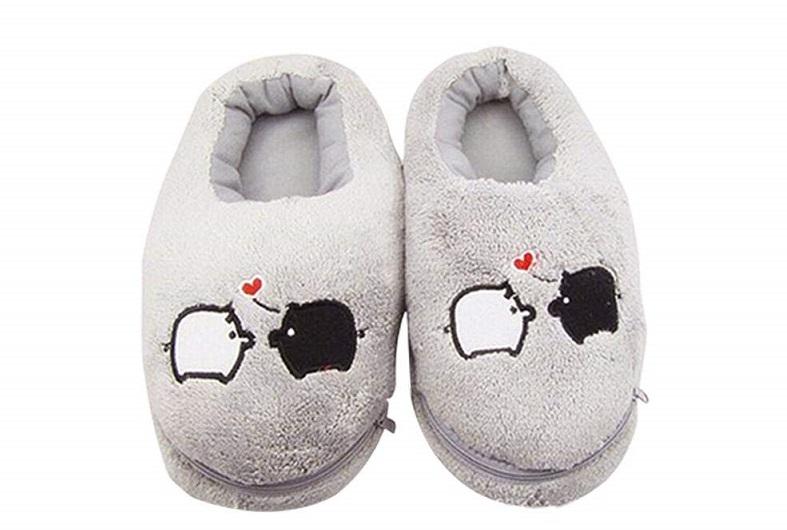 Pantofole che si scaldano con cavo USB
