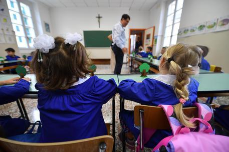 Scuola, accreditato un corso di formazione per insegnanti sull'esorcismo