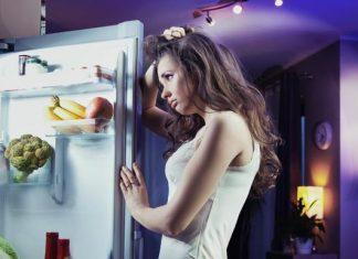 Snack dopo cena e dieta? Ecco i 5 cibi assolutamente da evitare