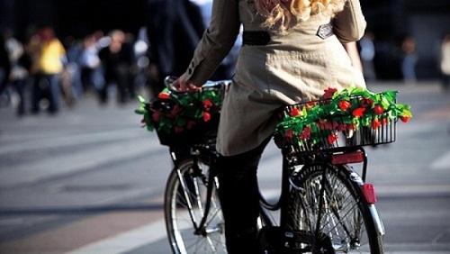 bicicletta crea felicità